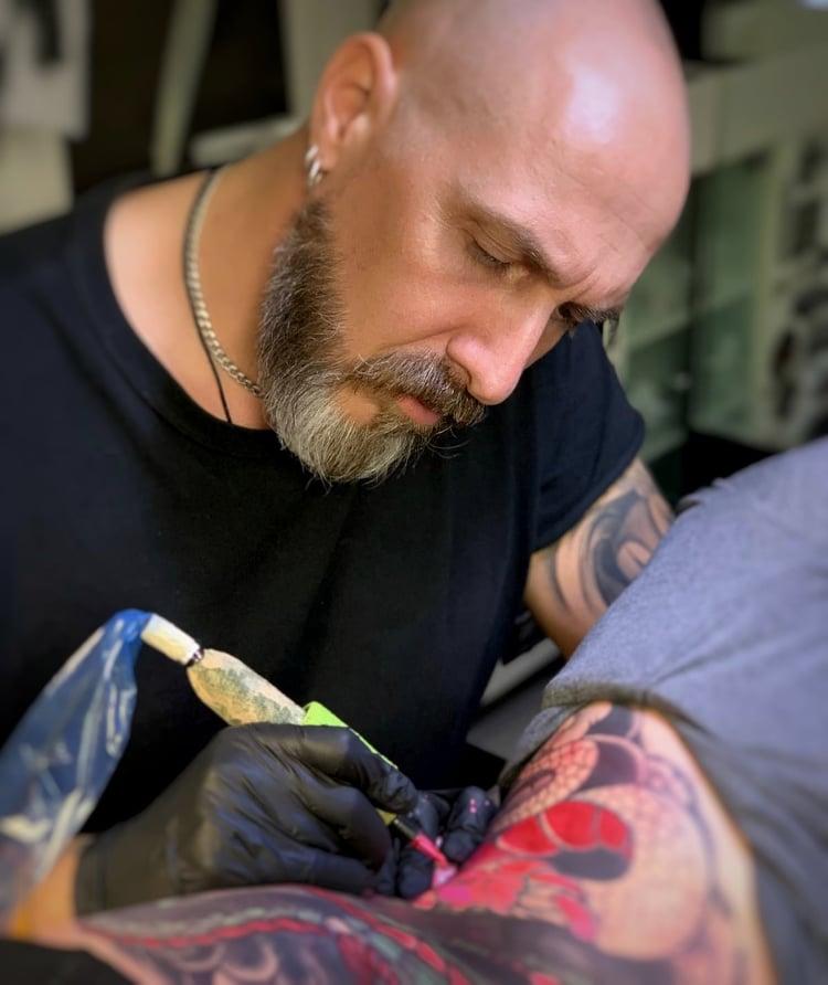 Nicola Burratti - Banana Tattoo Studio