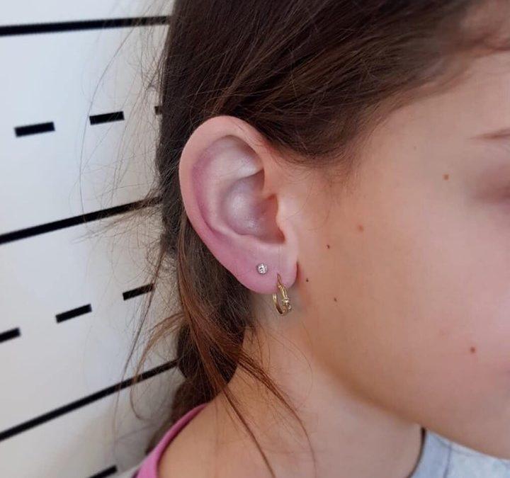 Pistola spara orecchini o ago sterile e nonouso?